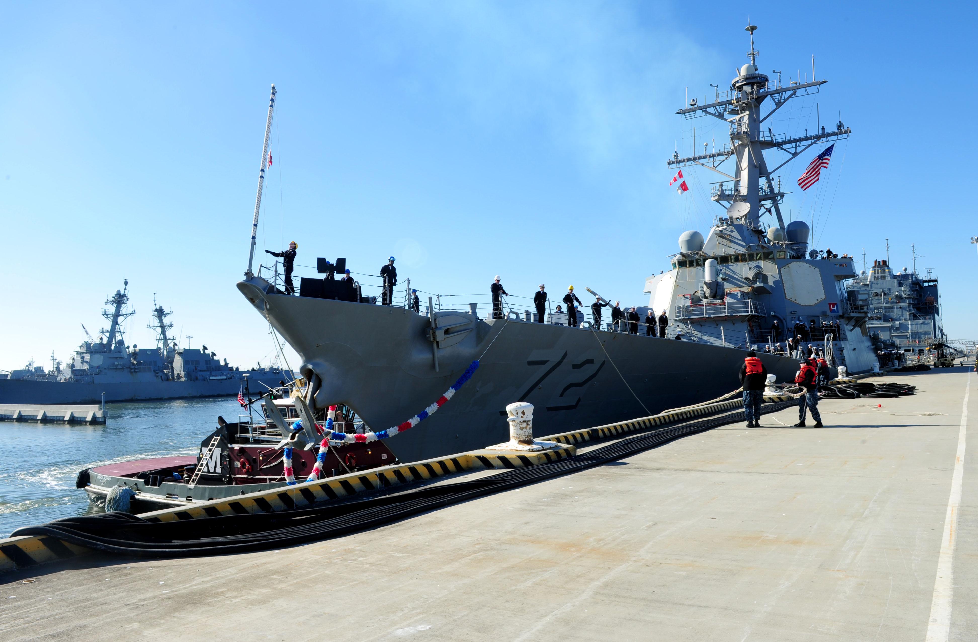 USS MAHAN DDG-72 Einlaufen Norfolk am 10.01.2015 Bild: U.S. Navy