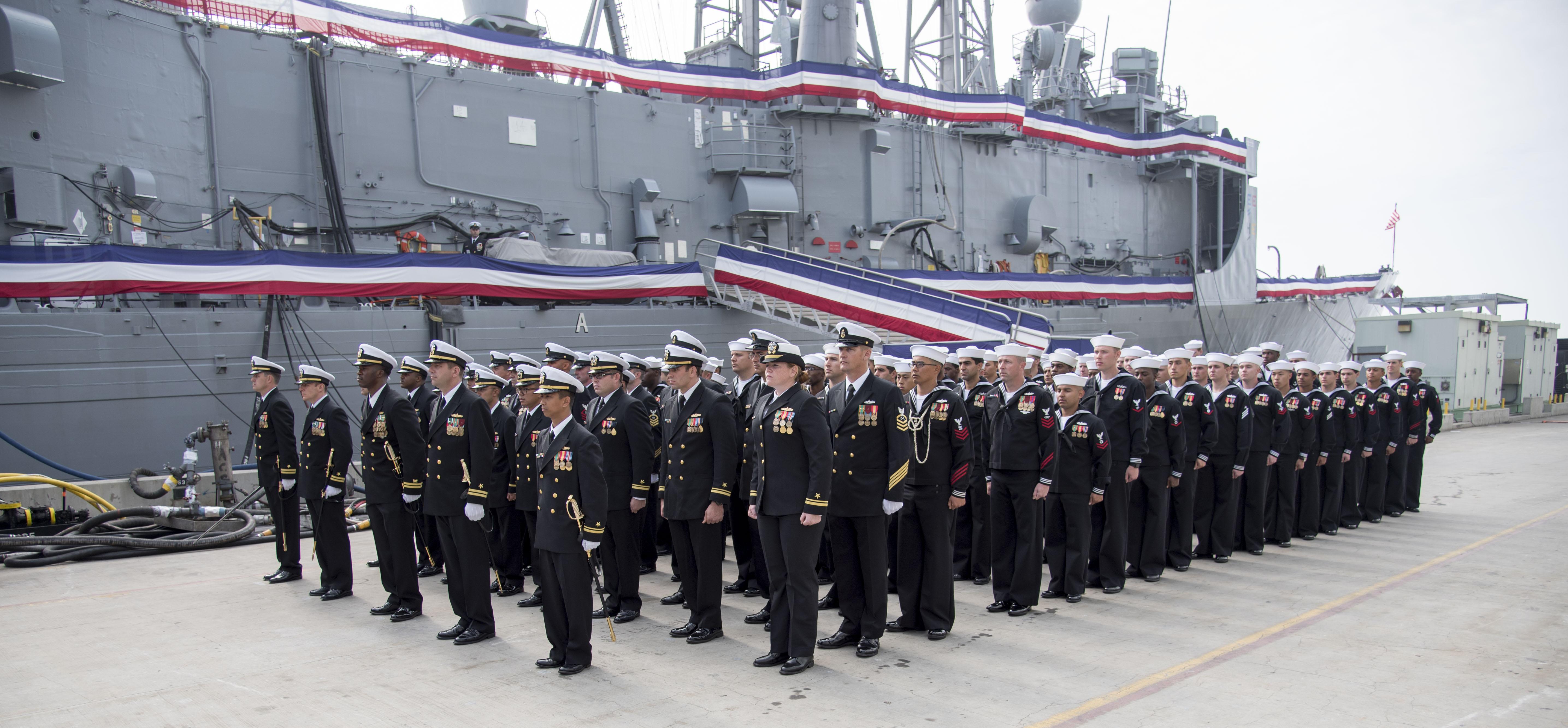 USS VANDEGRIFT FFG-48 Decommissioing Ceremony Bild: U.S. Navy