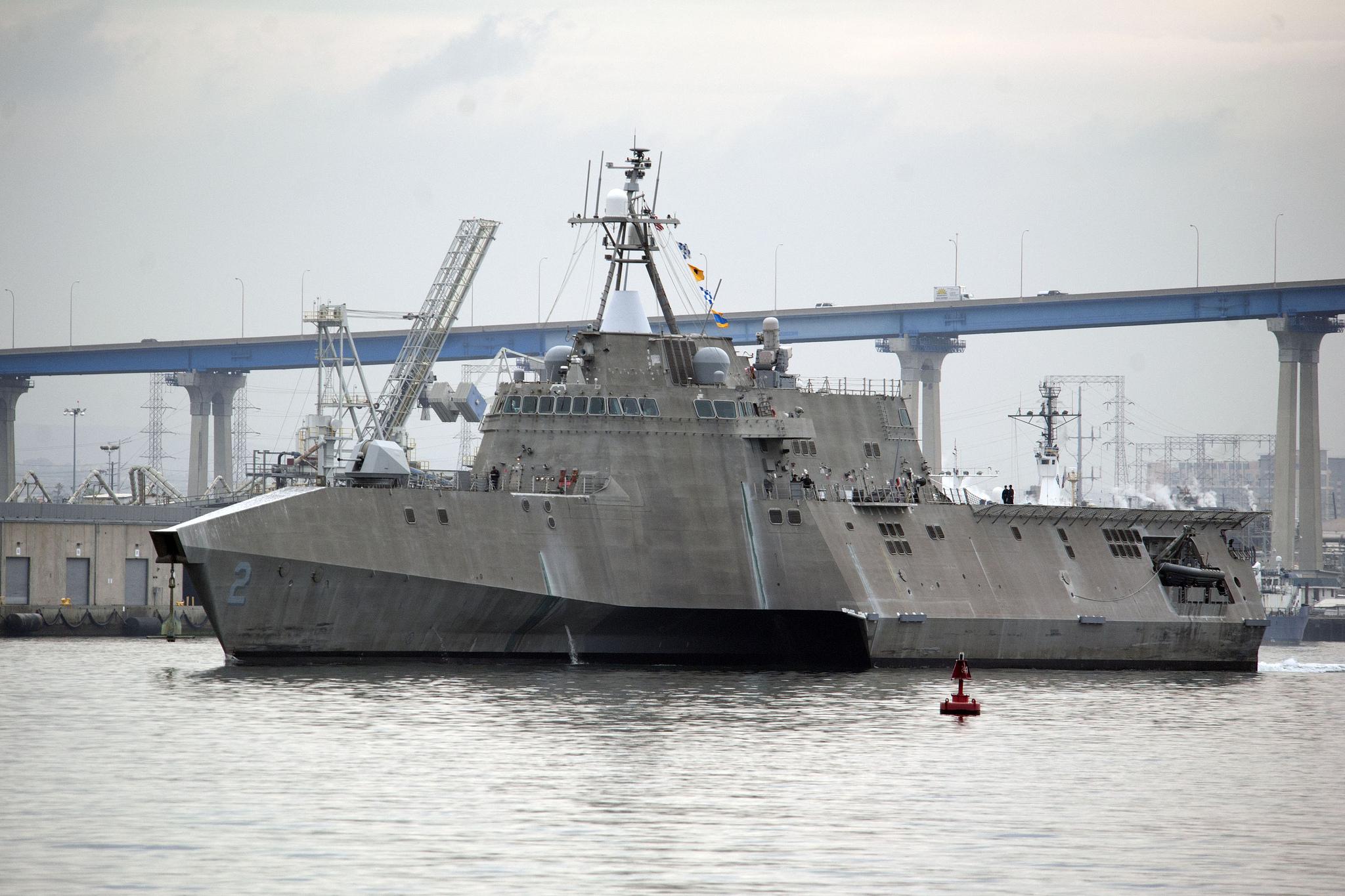 USS INDEPENDENCE LCS-2 Auslaufen San Diego am 30.01.2015 Bild: U.S. Navy
