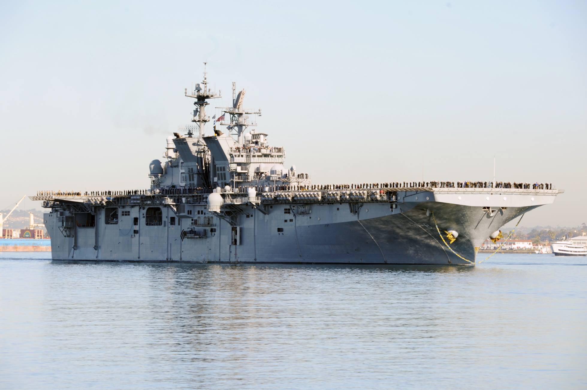 USS MAKIN ISLAND LHD-8 Einlaufen San Diego am 25.02.2015 Bild: U.S. Navy