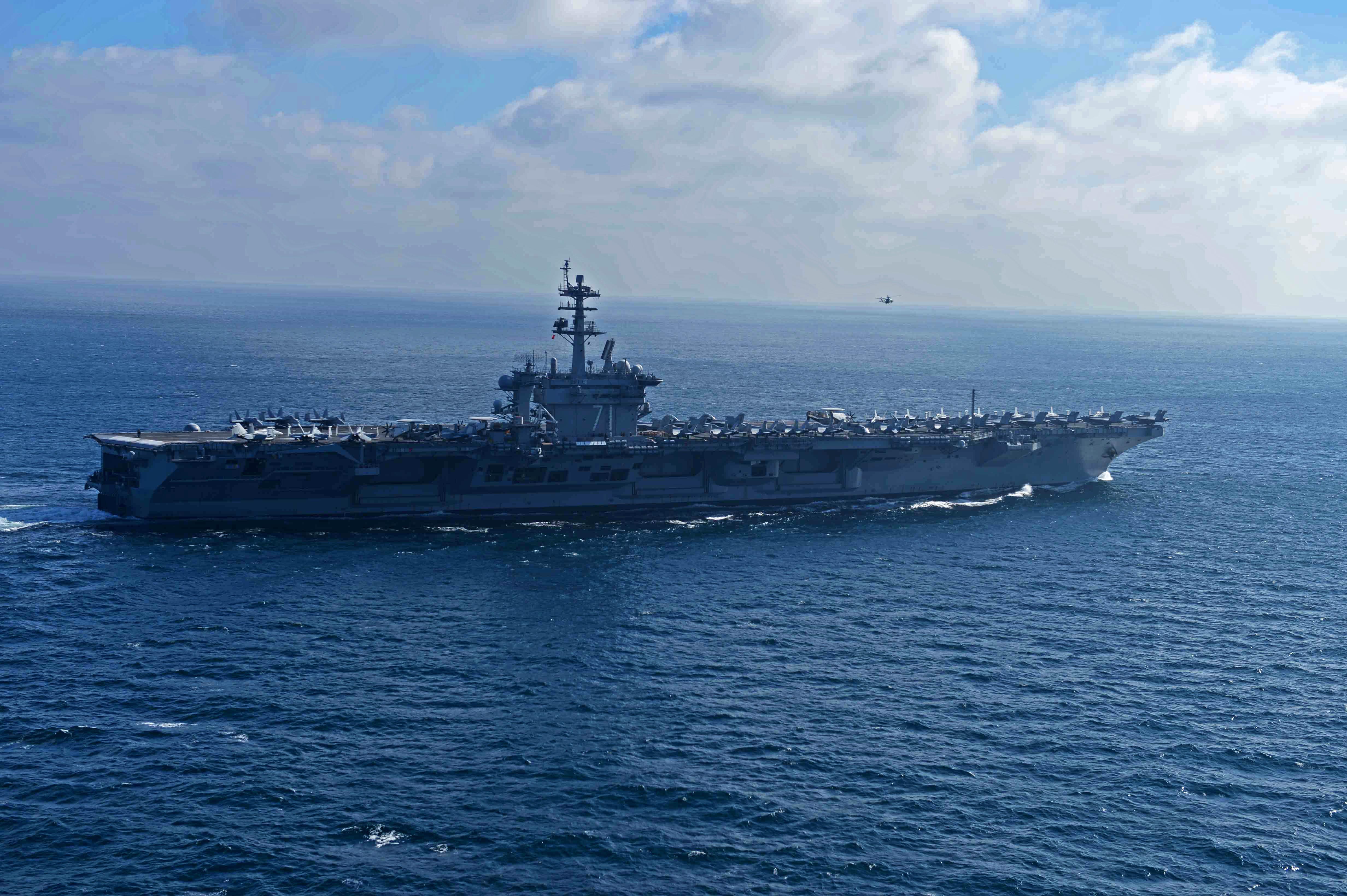 USS THEODORE ROOSEVELT CVN-71 am 16.01.2015 im Atlantik Bild: U.S. Navy