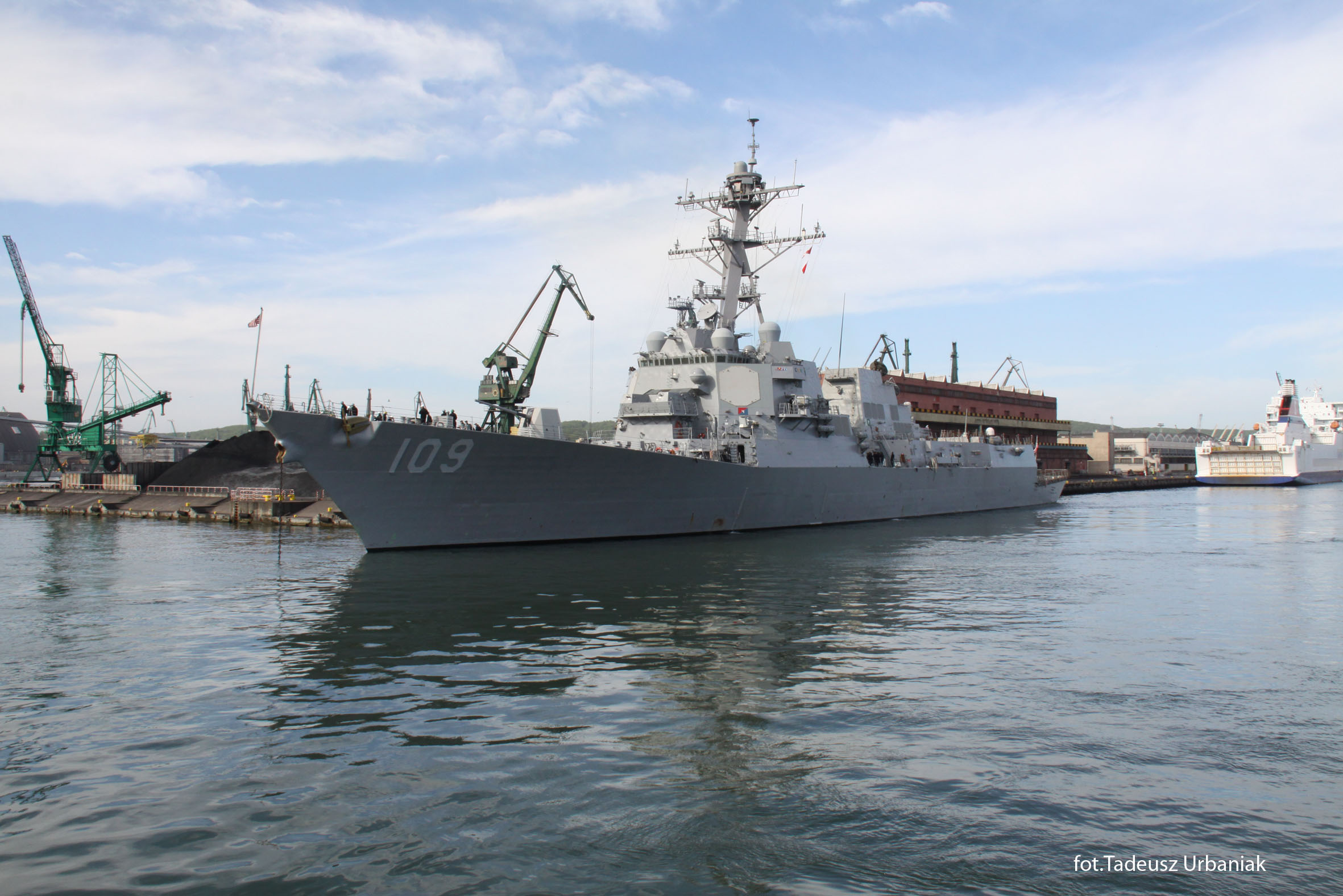 USS JASON DUNHAM DDG-109 am 04.06.2015 in Gdansk, Polen Bild: Port Gdynia, Tadeusz Urbaniak