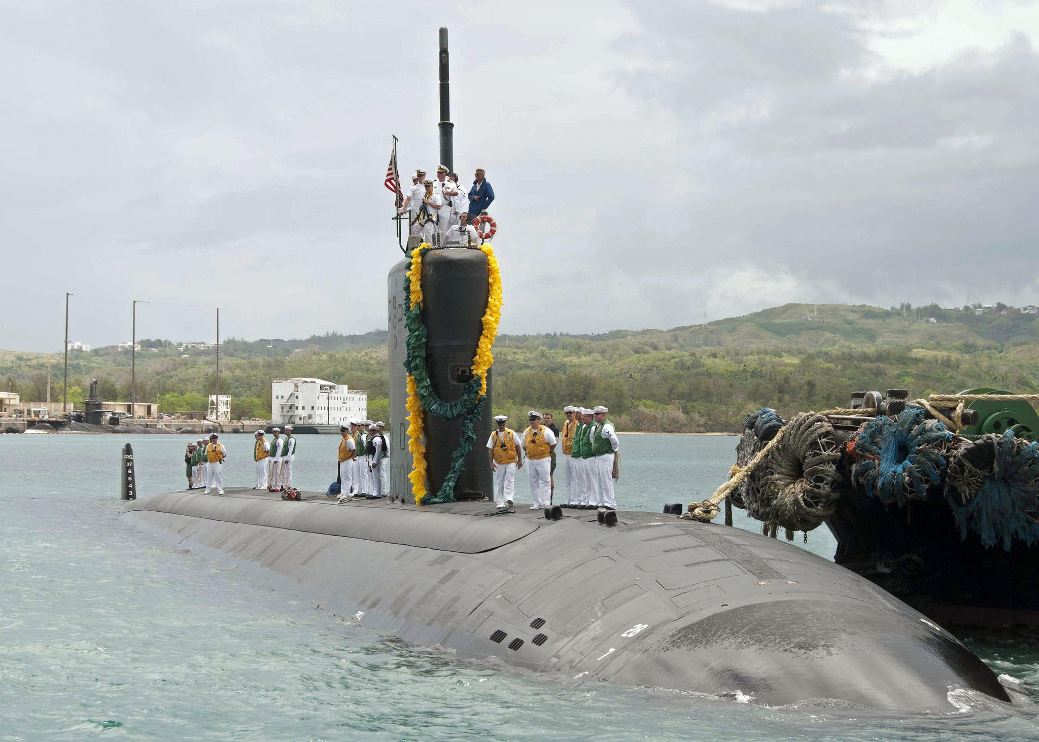 USS TOPEKA SSN-764 Einlaufen Apra Harbor, Guam am 29.05.2015 Bild: U.S. Navy