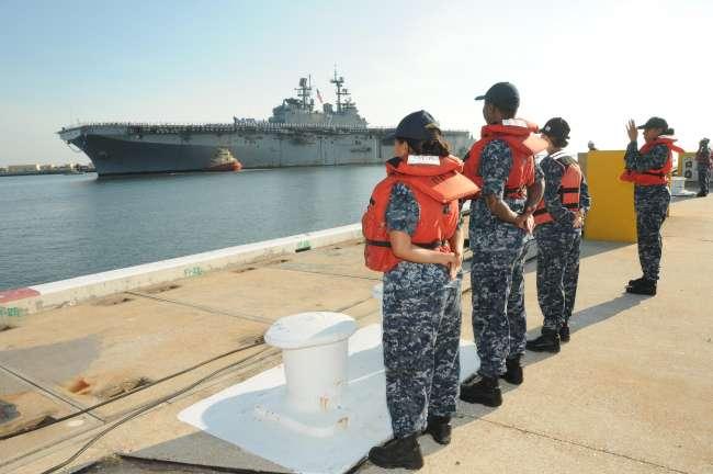 USS IWO JIMA LHD-7 Einlaufen Mayport am 20.07.2015 Bild: U.S. Navy