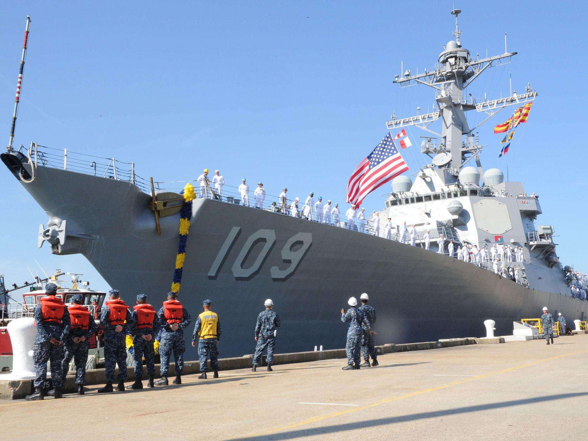 USS JASON DUNHAM DDG-109 Einlaufen Norfolk am 28.08.2015 Bild: U.S. Navy
