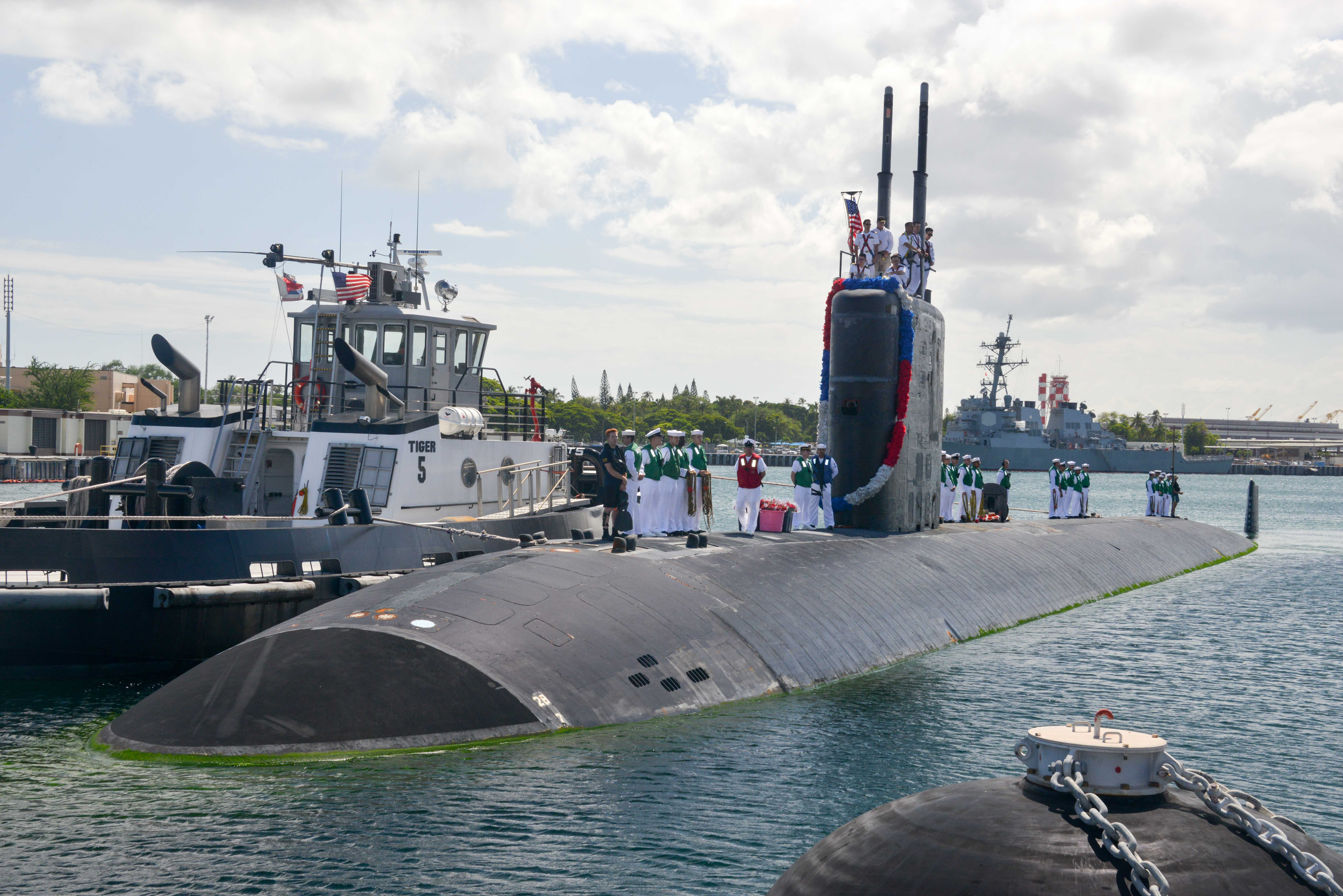 USS COLUMBUS SSN-762 Einlaufen Pearl Harbor am 11.08.2015 Bild: U.S. Navy