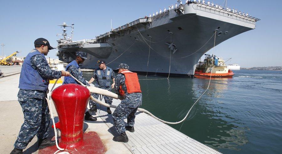 USS GEORGE WASINGZON CVN-73 Auslaufen San Diego am 08.09.2015 Bild: U.S. Navy
