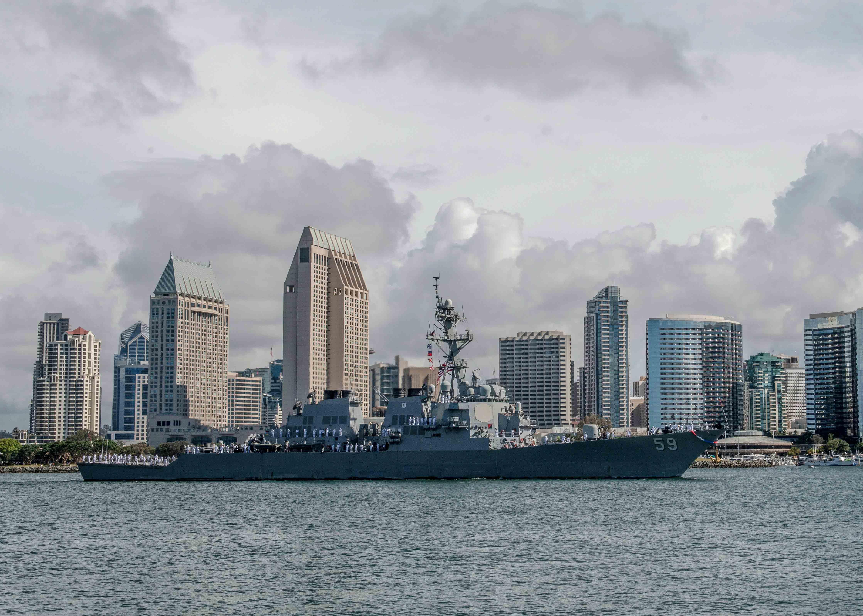 USS RUSSELL DDG-59 Einlaufen San Diego am 10.04.2016 Bild: U.S. Navy