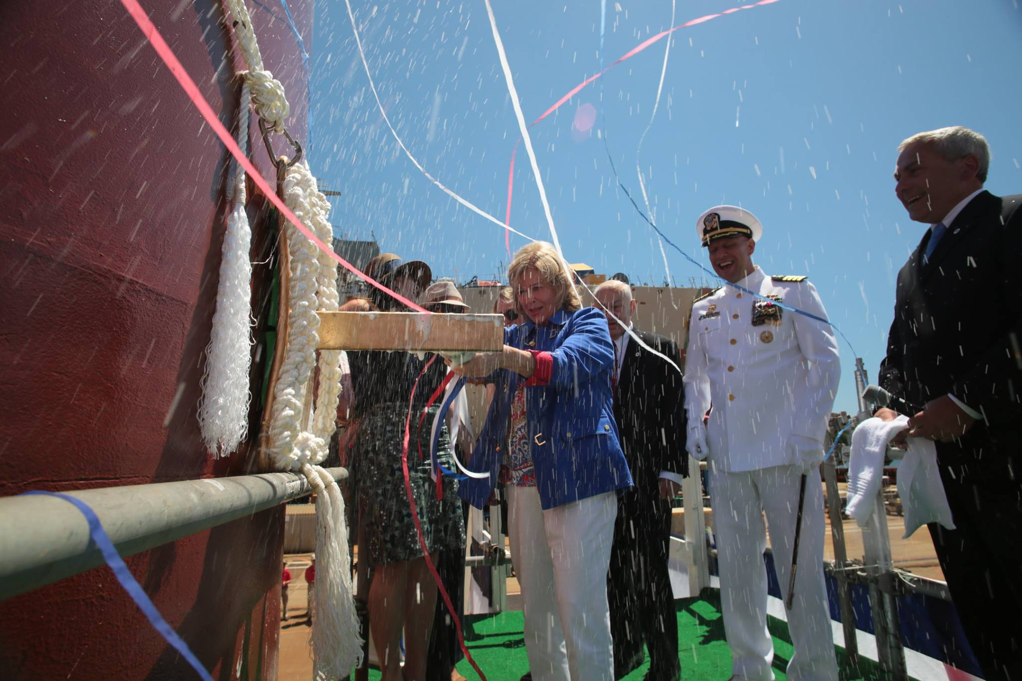 USS MICHAEL MONSOOR DDG-1001 Christening Bild: Bath Iron Works
