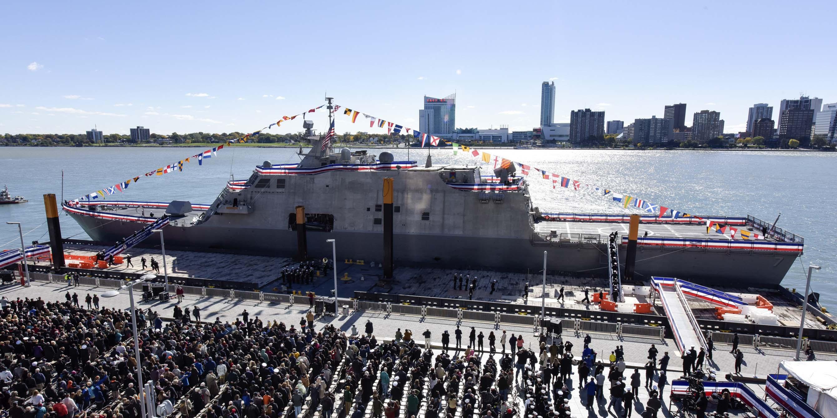 USS DETROIT LCS-7 Indienststellung Bild: U.S. Navy